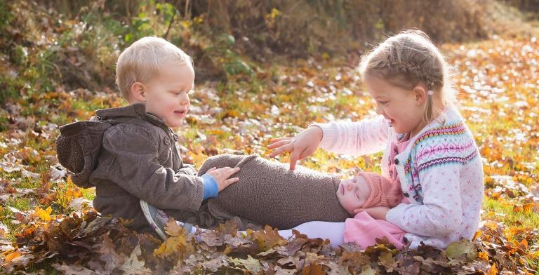 Familienfotografie Geschwisterfotos Petershausen Kinderfotos München Ingolstadt Pfaffenhofen