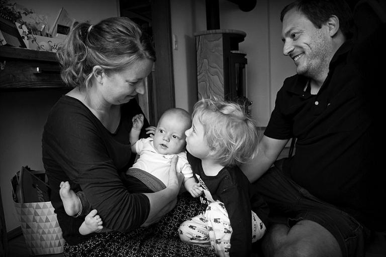 Familienfotograf Pfaffenhofen Familienfotos zuhause daheim outdoor